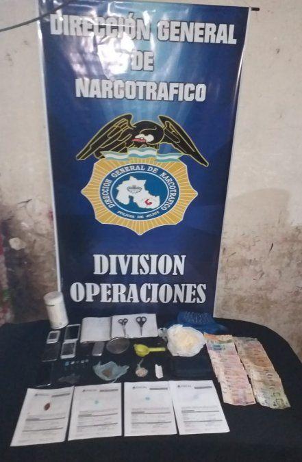 """Cerraron tres """"kioskos"""" de droga y detuvieron a cinco personas"""