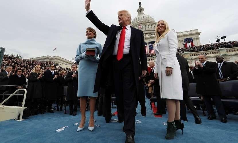 Trump juró ante el Capitolio como el presidente 45º de los EE.UU.