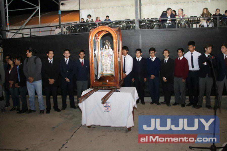 Se inauguró el desfile junto a la Virgen de Río Blanco