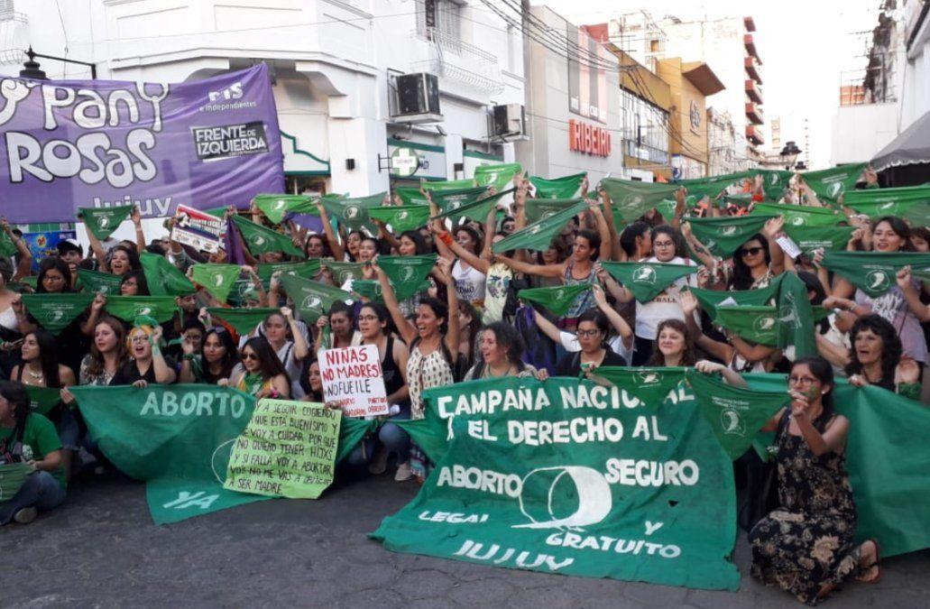 """Los """"pañuelos verdes"""" coparon el centro capitalino"""
