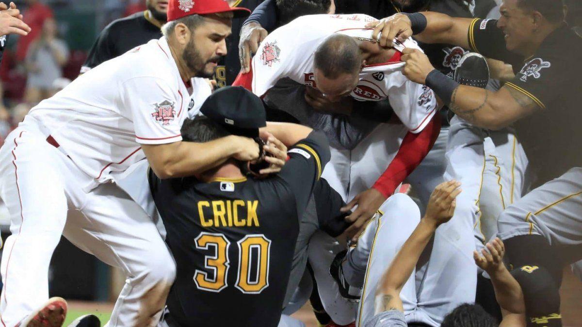 Batalla campal en un partido de béisbol
