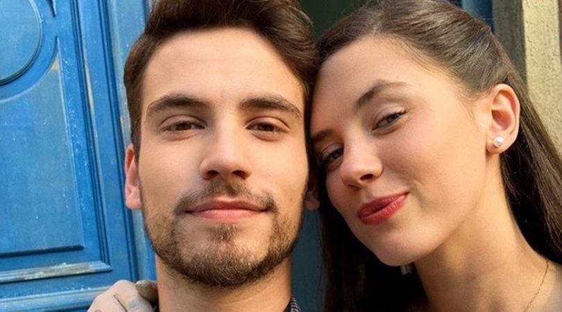El video de Delfina Chaves y Albert Baró muy cariñosos en el set