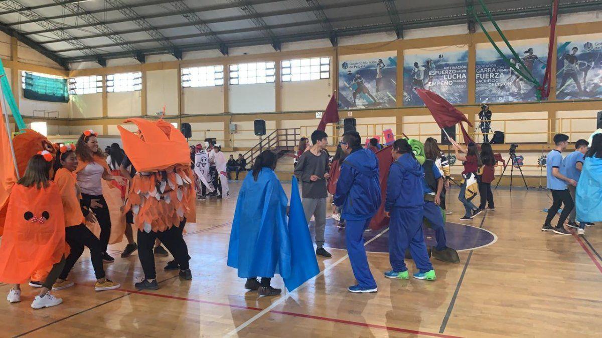 A pura alegría y color se vivió el primer sábado estudiantil en Palpalá