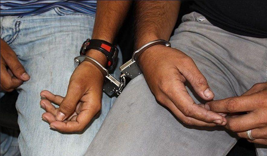 Dos jóvenes quedaron arrestados tras un robo en Bajo La Viña