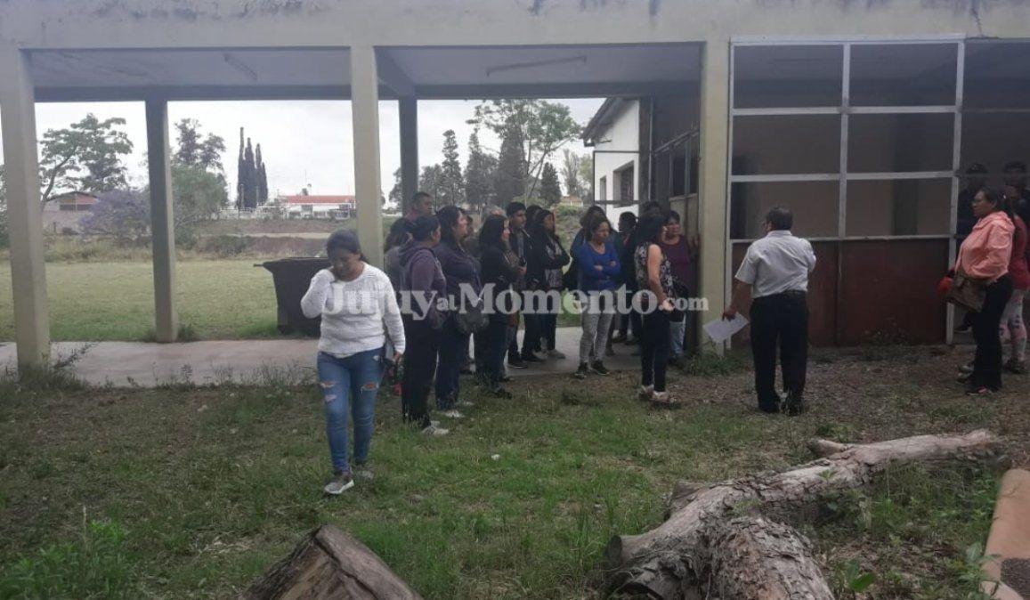 Padres de la EET de Palpalá indignados por el estado edilicio