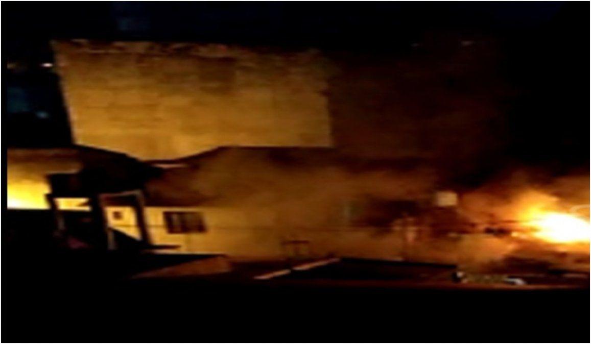 Una fuerte discusión terminó en un incendio y con tres personas hospitalizadas