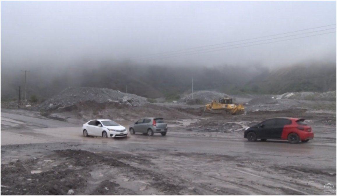 Seguirá lloviendo en Volcán, recomiendan circular con precaución por Ruta 9