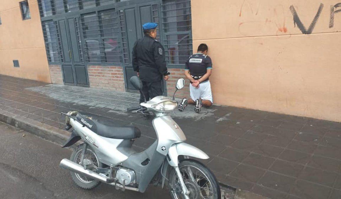 Atraparon a un ladrón de motos