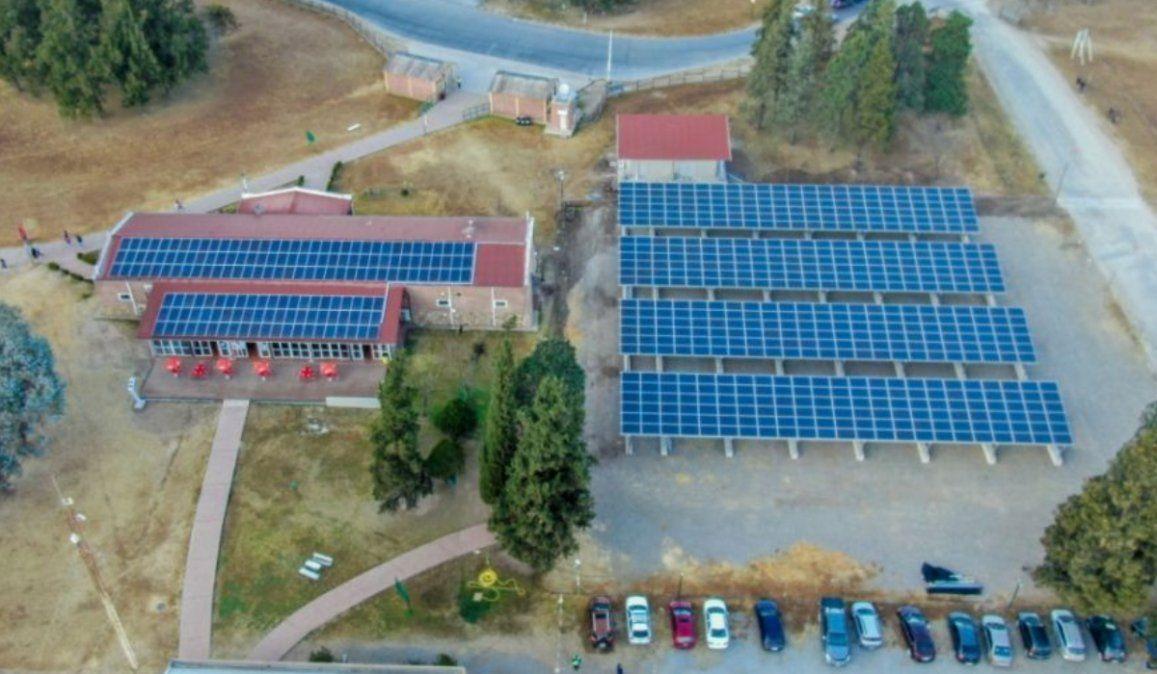 La UCASAL tendrá el primer estacionamiento solar del país