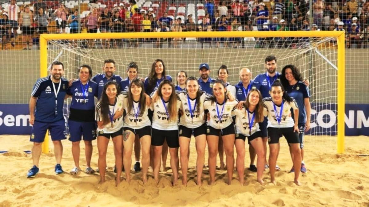 Argentina tercera en su primer torneo oficial de fútbol playa