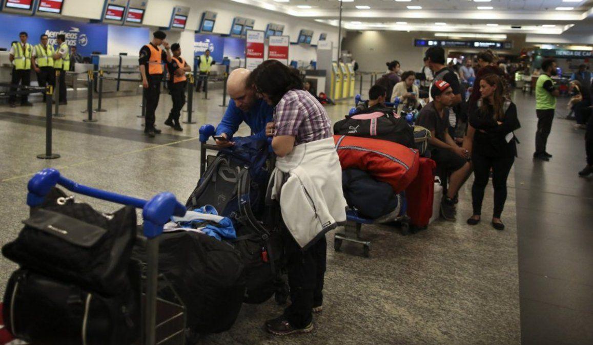 Más de 1,3 millones de personas viajaron en octubre en vuelos de cabotaje