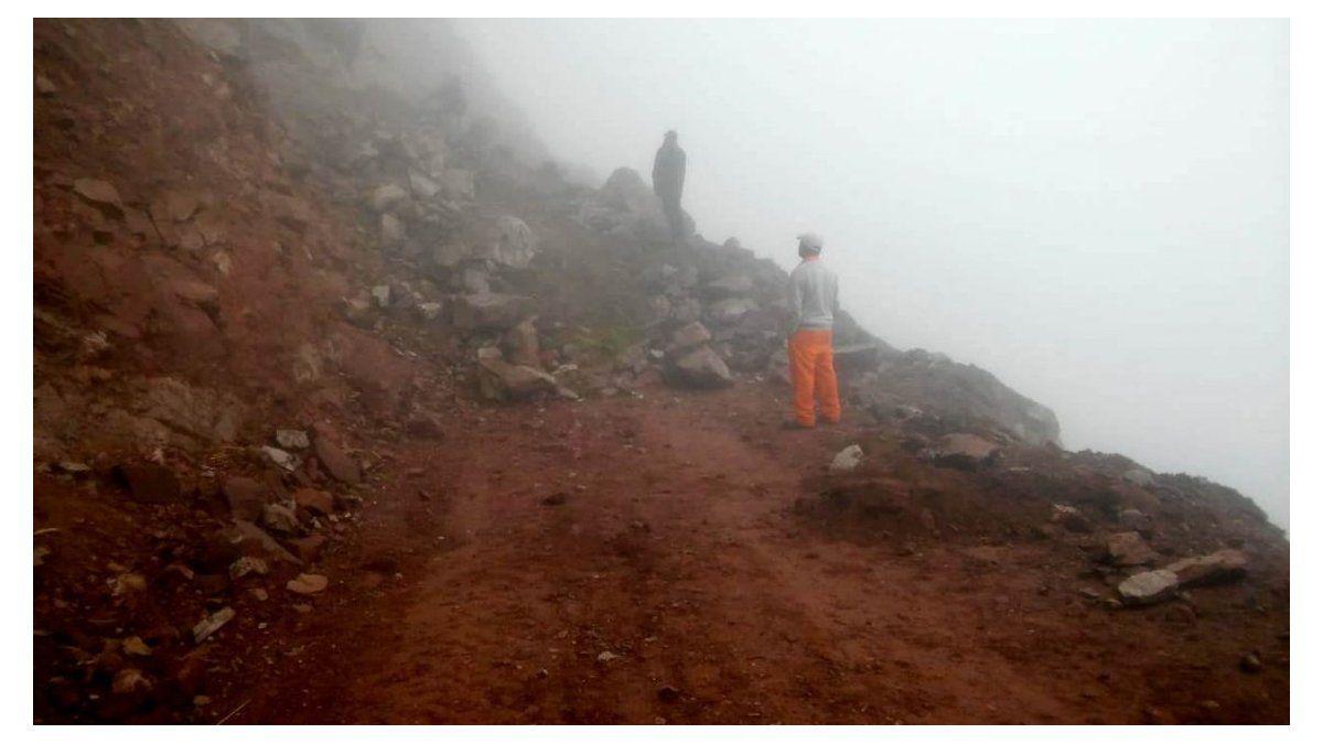 Realizan trabajos de despejes por desmoronamiento en la ruta Quebrada-Yungas - Jujuy al Momento