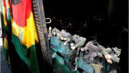altText(Máxima tensión en Bolivia: policías amotinados y gran convulsión social)}