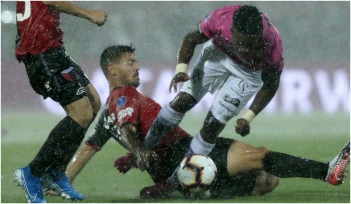 Colón desperdició un penal y se vuelve sin la Copa Sudamericana