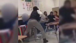 altText(Brutal golpiza de una maestra a una estudiante quedó registrada por las cámaras)}