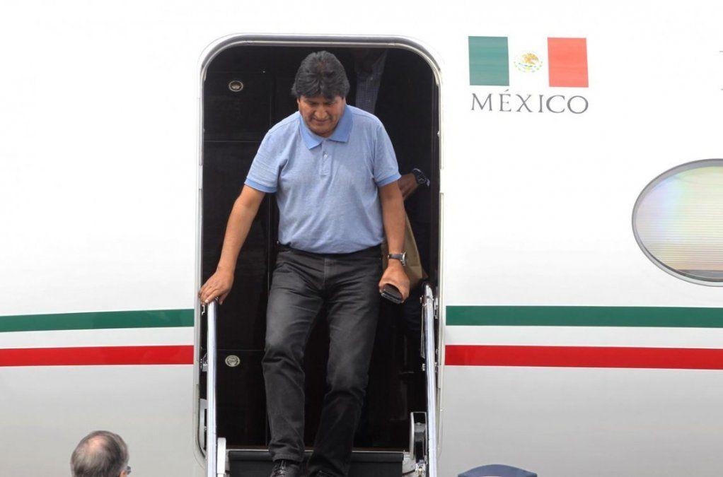 Evo Morales llegó a México: mientras tenga vida seguiré en política