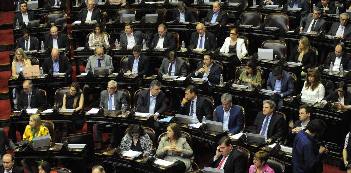 El peronismo logró aprobar el repudio al golpe de estado en Bolivia