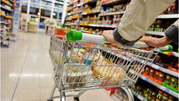 El dólar se mantiene estable pero los alimentos siguen subiendo