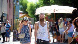 fin de semana largo: mas de 1 millon de turistas viajan por el pais