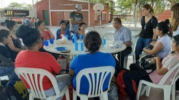 Brindan contención a los trabajadores y familias de La Esperanza