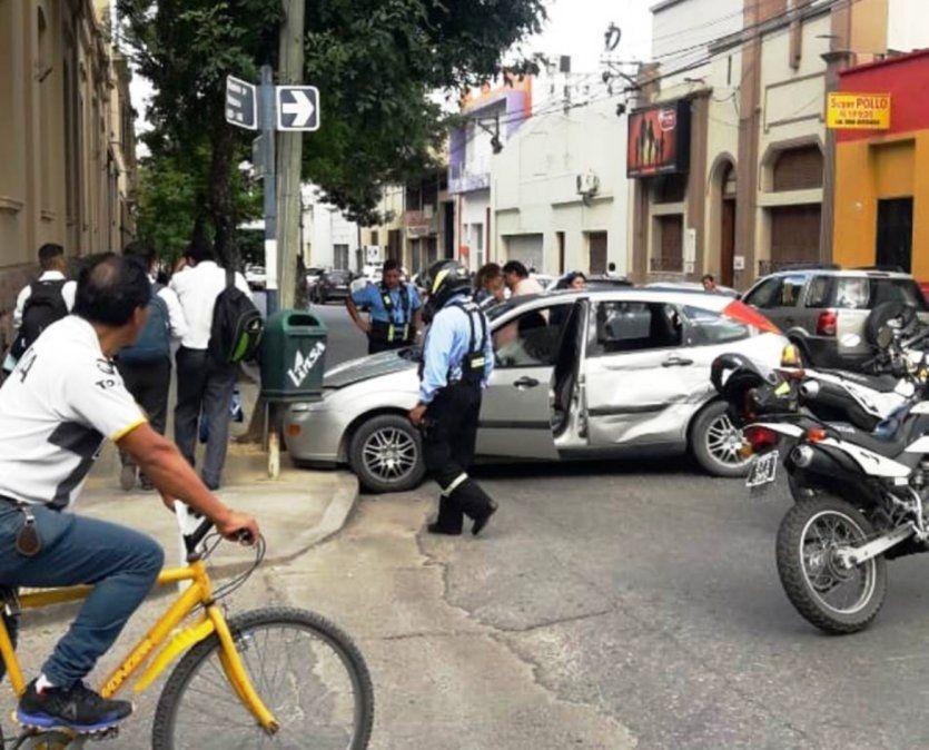Accidente vehicular en Ramírez de Velazco y Salta