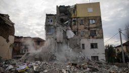 altText(Decenas de muertos por un terremoto en Albania)}