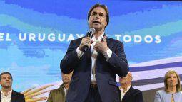 altText(Confirmado: Lacalle Pou ganó las elecciones en Uruguay)}