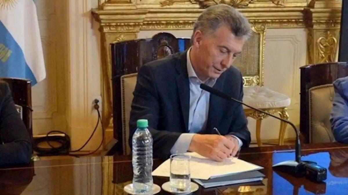Un decreto de Macri prevé indemnizaciones para los puestos más altos del Estado