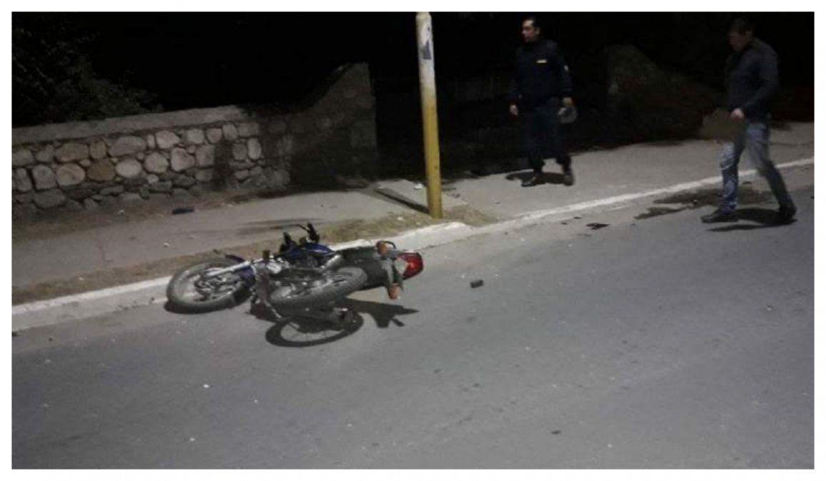 Un motociclista atropelló a un peatón