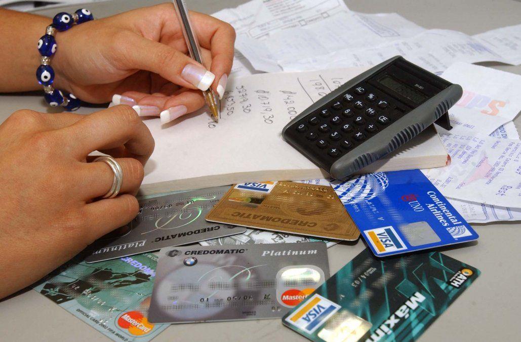 Según el Banco Central, más de la mitad de los argentinos está endeudado