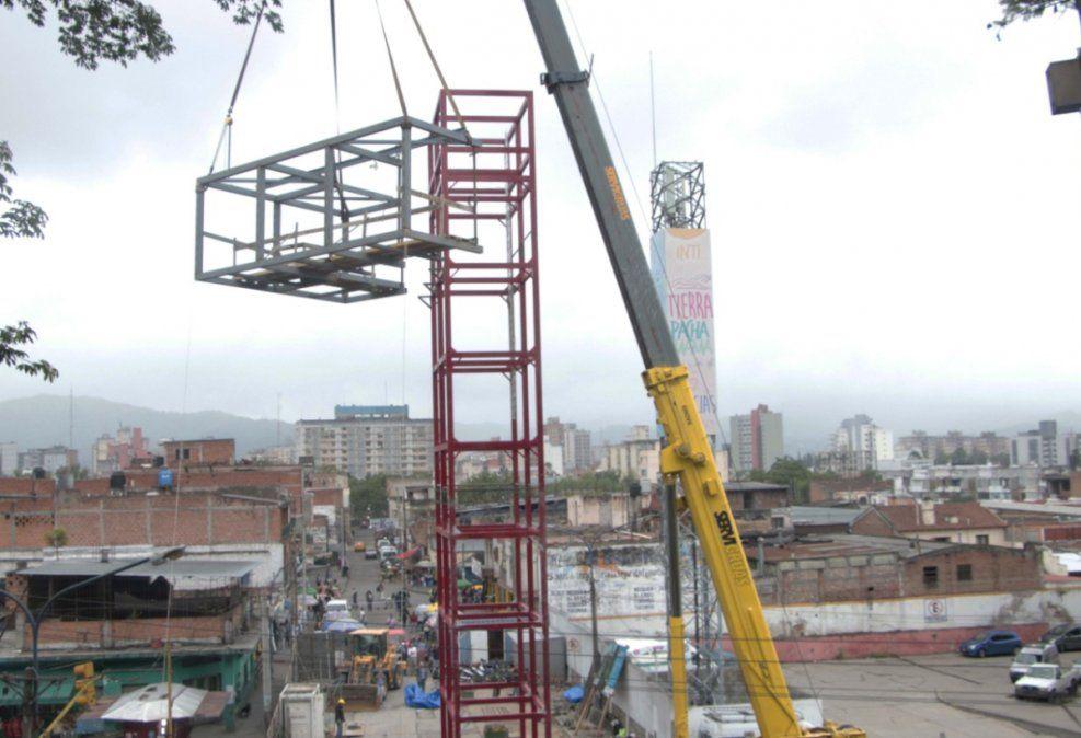 Ascensores urbanos: quedó instalado el mirador en la torre principal