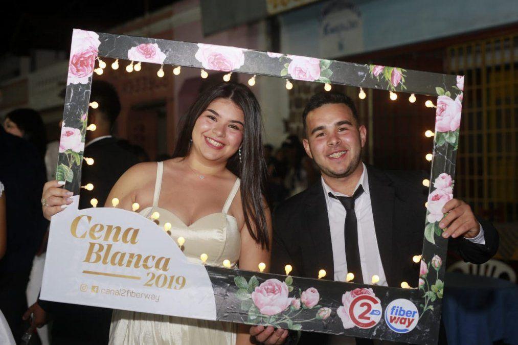 El Carmen y San Antonio viven su Cena Blanca