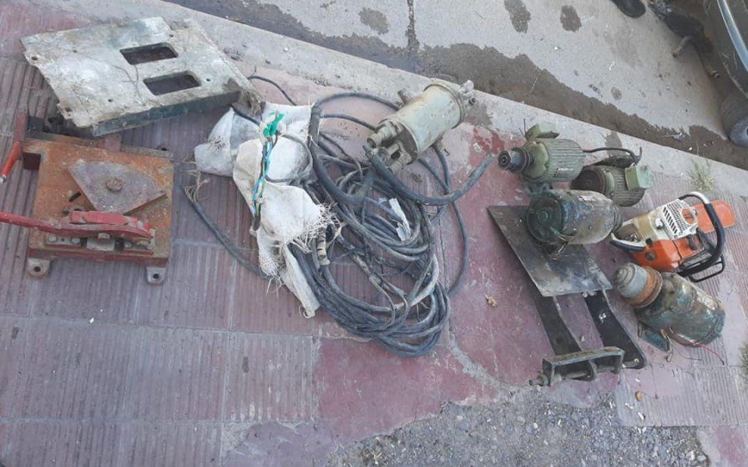 Los atraparon con herramientas y motores industriales robados