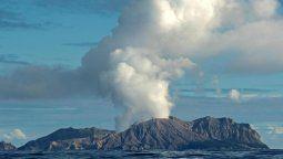 una erupcion volcanica causo la muerte de cinco personas
