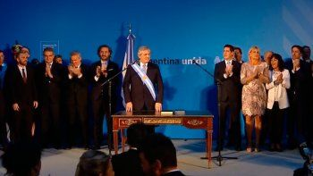 El nuevo gobierno oficializó las designaciones de los ministros