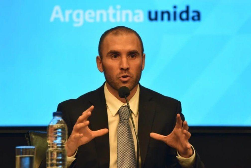 El ministro Guzmán lanza un plan integral para tranquilizar la economía