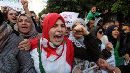 argelia cambia de autoridades despues de 20 anos
