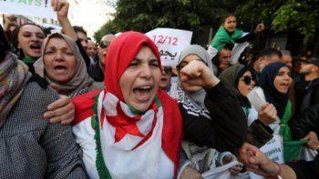 Argelia cambia de autoridades después de 20 años