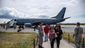 Confirman que la aeronave desaparecida cayó al mar y que no hay sobrevivientes