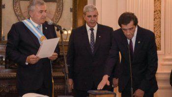 Críticas a la falta de renovación en el Gabinete de Morales