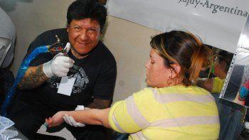 Hallaron sin vida en una pileta a un conocido tatuador jujeño