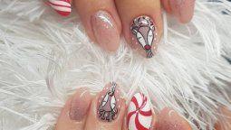 altText(Lindas ideas de manicure navideñas que realmente puedes usar)}