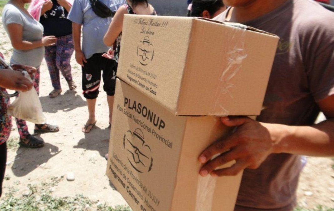 Esta semana y la próxima entregan cajas alimentarias en Valles y Yungas