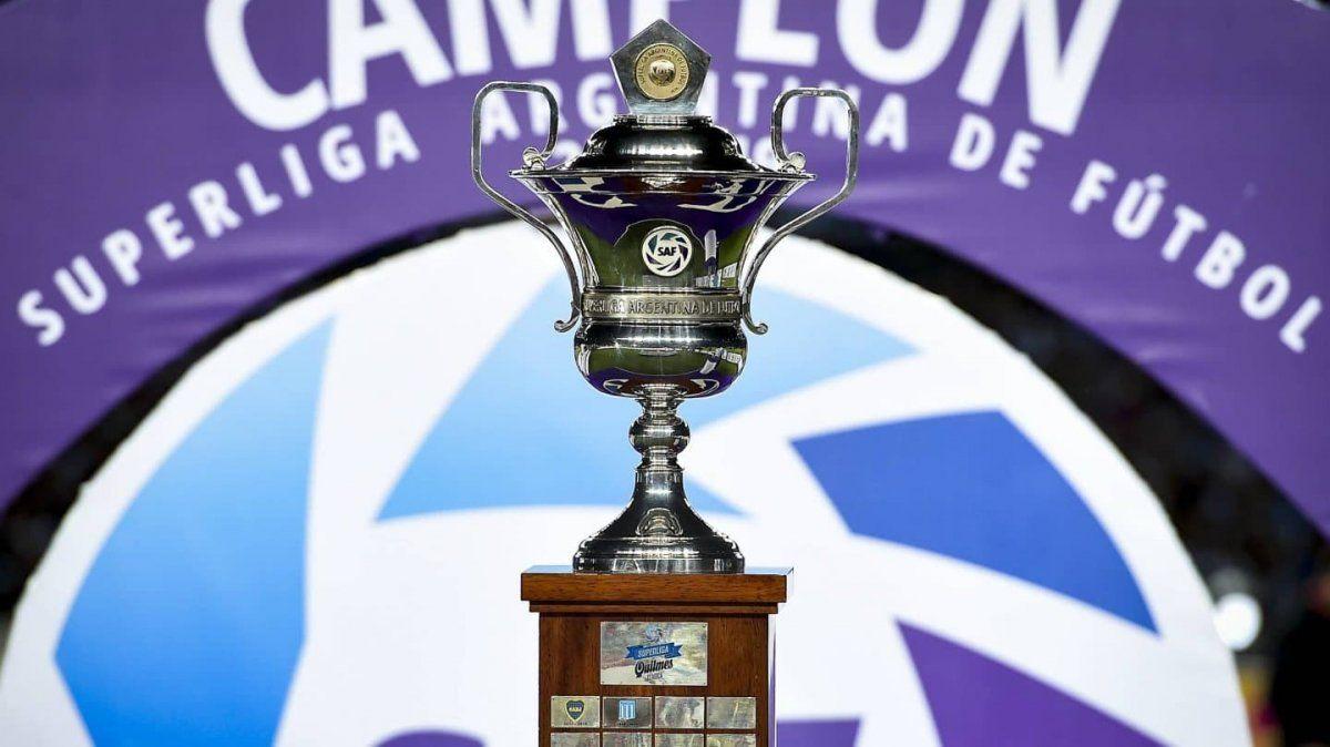 Reclamo de clubes podría frenar el reinicio de la Superliga