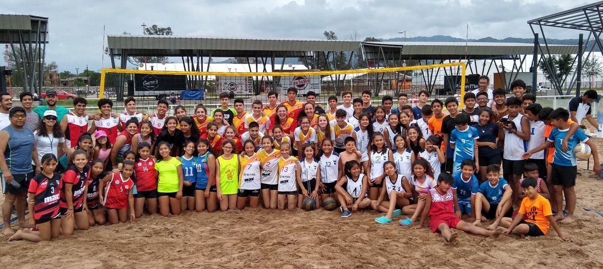 Gran convocatoria de beach vóley en Ciudad Cultural