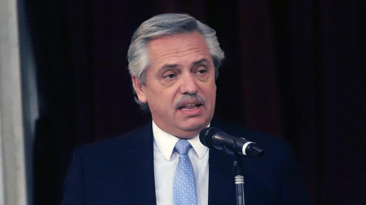 Alberto anunció que habrá aumentos trimestrales para preservar los ingresos de los jubilados