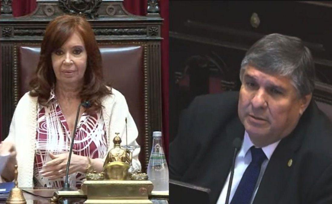 Cristina retó al presidente de su bloque porque le dijo presidente y no presidenta