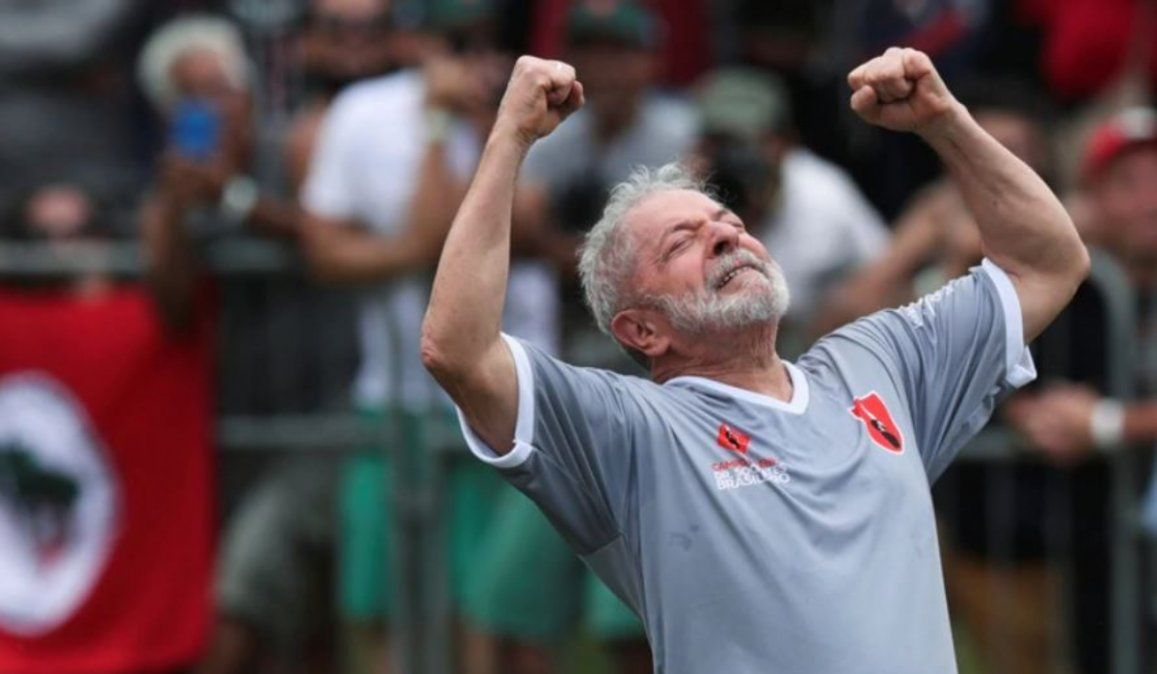 Lula da Silva celebró su libertad con un partido de fútbol
