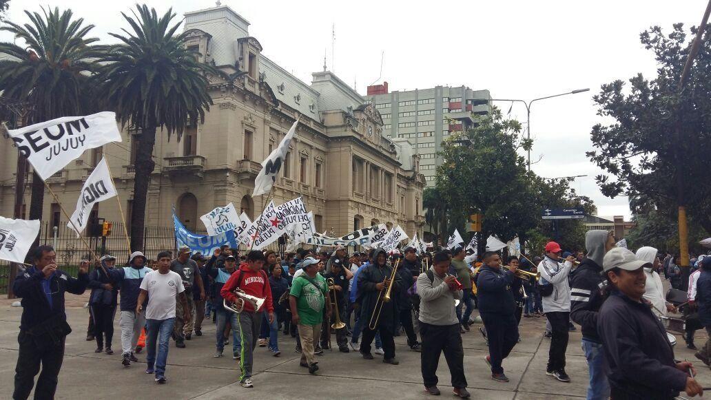 El gremio de Santillán denuncia ola de despidos en municipios