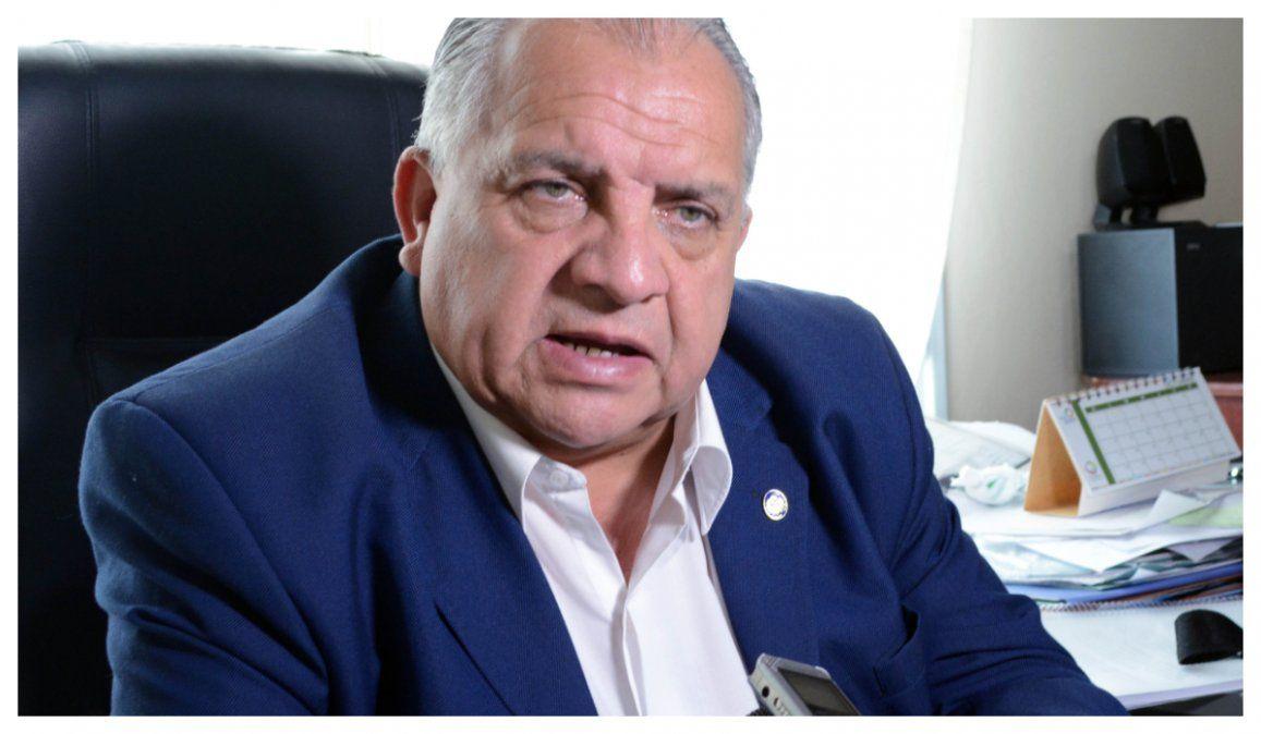 Envuelto en un escándalo, Cabana Fusz pidió licencia